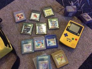 gameboy color pokemon edition Incl diverse games.