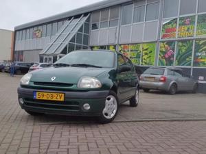 Renault Clio 1.4 RT NIEUWE APK
