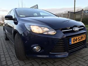 Ford Focus Ecoboost , 1.6 16v 182pk , Titanium versie met extra opties.