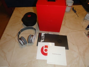 Beats by Dr. Dre Solo HD Wit